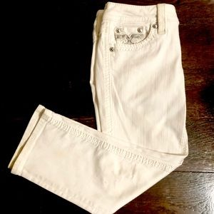 ROCK REVIVAL CROPPED WHITE JEANS